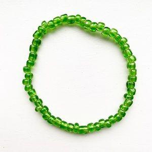 Vintage jade green beaded stretch bracelet